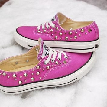 "The ""Twilight"" Studded Converse - The Converse Vans Look-Alike"