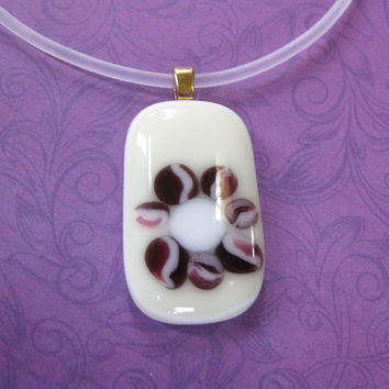 Flower Necklace, Maroon and Beige, Glass Jewelry - Pretty Woman