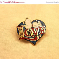 60% Blow out Snoopy Dog Love Pin Aviva UFS Taiwan Signed Cloisonne