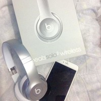 Beats Solo 3 Women Men Wireless Magic Sound Bluetooth Wireless Hands Headset MP3 Music Headphone with Microphone Line-in Socket TF Card Slot Silver