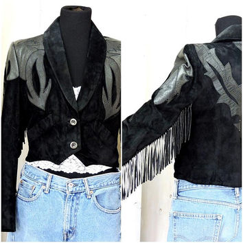 Womans fringed black leather jacket  / Vintage 70 / 80s  / cropped / Bohemian / Southwestern / Motorcycle / Rocker / Pioneer Wear / size M