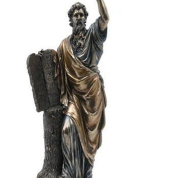 Moses Holding Ten Commandments Sculpture - 6905