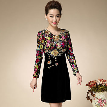 2017 New Plus Size Old Ladies Loose Autumn And Winter Dress Slim Long Sleeved Jinsirong Straight Print Embroidery Fashion Dress