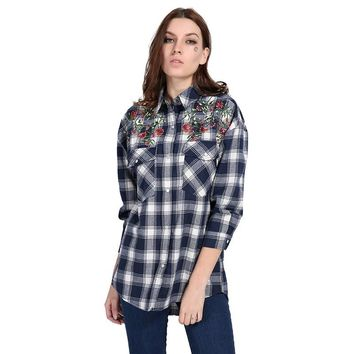 Women Embroidery Floral Plaid  Two Pockets Asymmetric Shirt Fashion Vintage