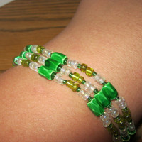 30 in Green and White Magnet Bracelet by carebear1984 on Etsy
