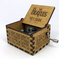 Engraved  wooden music box (Hey Jude - Beatles)
