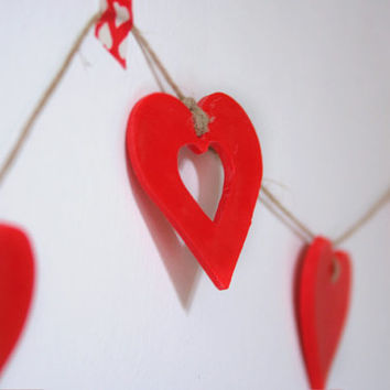 "Red hearts garland ""I Love You"" for wall decoration."