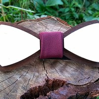Wooden Bow Tie / Wood Bow Tie / Unique Design Engraved / Boys Bowtie / Wedding Wood Bowtie / Wooden Bowtie / Mens Bow Tie. 100% Hand Made - Mens Gift. Gift For Men