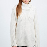 Silence + Noise Funnel Neck Curved Hem Jumper in Ivory - Urban Outfitters