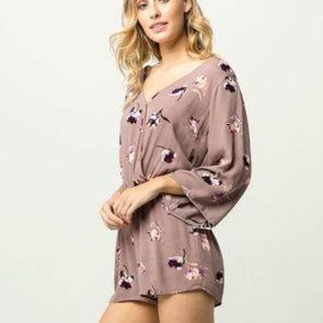 IVY & MAIN Surplus Womens Romper