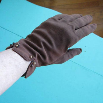Adorable Chocolate Brown Vintage Gloves w/ Tiny Brown Button Trim @ Cuffs; Women's Medium Above-Wrist Gloves; U.S. Shipping Included