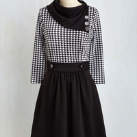 Mid-length 3 A-line Coach Tour Dress in Houndstooth - 3, 4 Sleeves