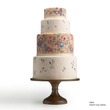 Round Natural Wood Wedding Cake Stand