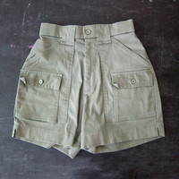 Vintage army green shorts Elastic Waist Camp Cargo Shorts Resort Rugged Hiking SAFARI Wear Beach Shorts Women's Size 8 Sportif Dell's