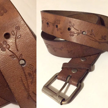 70s Brown distrssed Leather Belt with Hand Tooled Embossed Flowers - medium L hippie boho 1.5 inch wide bohemian retro 1970s belt size 30 35