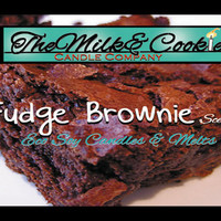 Fudge Brownie Scented Eco Friendly Soy Candle Tin