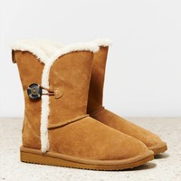 AEO Women's Buttoned Cozy Boot