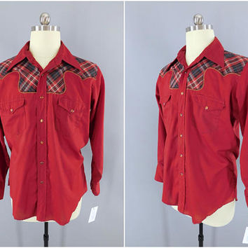 1960s Vintage Wrangler Western Shirt / 1970s Cowboy Ranch Wear Shirt / Long Tail / Casual Menswear / Red Shirt