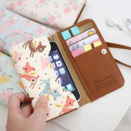 MochiThings.com: Vintage Pattern Smartphone Wallet
