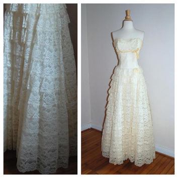 1950s Wedding Gown Vintage Strapless Tiered Crinoline Cream Floral Lace Bridal Gown size L