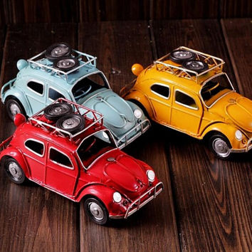 Beetle Car Automobile Model Home Decor Ornament Toy Metal Figurine Retro Gift 3 Color Avaiable
