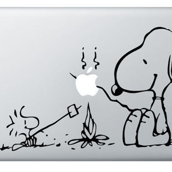 Mac Decal Sticker - Snoopy - Apple Macbook Vinyl Decal Sticker