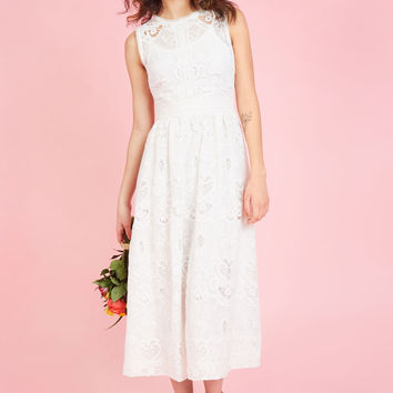 Destination Dreaming Midi Dress in Ivory | Mod Retro Vintage Dresses | ModCloth.com