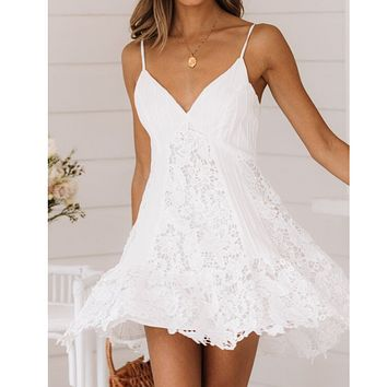 Summer women's fashion new sexy V-neck white strap lace stitching dress
