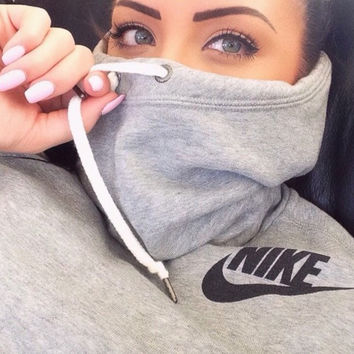 Nike Woman Rally Funnel Neck Hood Grey