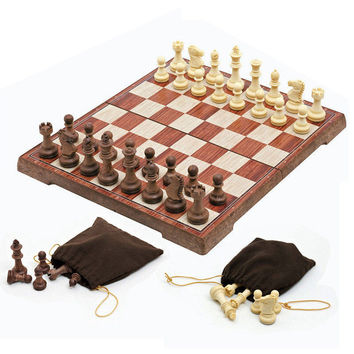 Wooden WPC Chess Folded Board International magnetic Chess Set Exquisite Chess Puzzle Games Board Game 2016 NEW