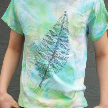 Nature Lovers Leaf Shirt- Nature Tshirt- Tie Dye Shirt with Ornate Leaf design- Nature Lovers Gift- Gift for Hiker, Custom Tie Dye