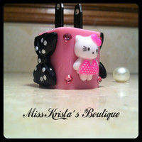 Hello Kitty iphone 4 5 charger power adapter wall charger pearls bow cat USB charger