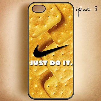 Nike Just do it-Crackers biskuit-Design On Hard Plastic Cover Case, IPhone 4,4S or IPhone 5 Case, Samsung Galaxy S2,S3 or S4 Case