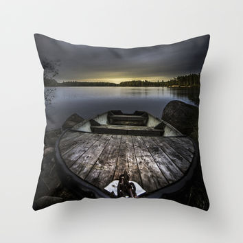 I beg you Throw Pillow by HappyMelvin