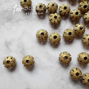 10pcs ∙ Round Stardust Brass Beads Vintage Hollow Ball Spacers Jewelry Supplies