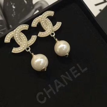 CHANEL New Fashion more pearl earrings women accessories Golden