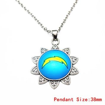 Vintage Sunflower Alloy Pendant Necklace San Diego Chargers Football Team Necklace For Sports Fans Fashion Necklace Jewelry