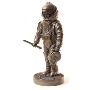 "Military Statues, 7"" COLD CAST BRONZE STATUE, EOD SPECIALIST, EOD - EXPLOSIVE ORDNANCE DISPOSAL"