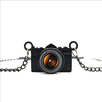 Awesome Photo Lens Vintage Look Camera Charm Necklace Black