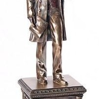 Abraham Lincoln US President Portrait Statue Standing on Pedestal with Quote 13.5H