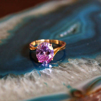 Vintage Alexandrite 14kt Gold Ring Size 7.5 // Alexandrite Ring // Vintage Ring // Amethyst // Purple Stone Ring // 14kt gold // Synthetic