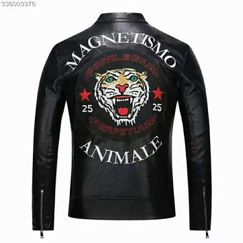 GUCCI 2018 autumn and winter new zipper men's tiger head embroidery jacket