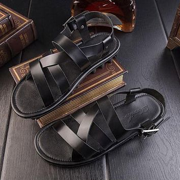 Rome sandals male leather summer new men's beach shoes England fashion trend exposed toe cool slippers RL282