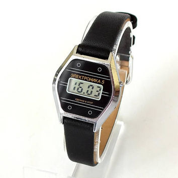 Hexagon digital watch. Vintage ladies watch Elektronika 5. LCD watch for women. Womens quartz watch. Retro digital womens watch Gift for her