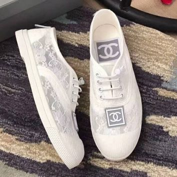 Chanel Trending Lace Shoes Cute Lace up Women Flat Leisure Shoes B-XBZZGNX White/grey logo