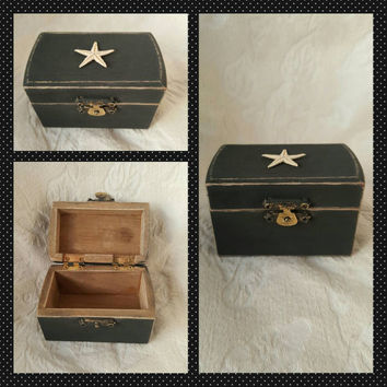 Rustic Weathered Charcoal Gray Beach  Nautical Style Wedding Ring Box Starfish