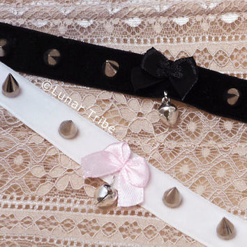 choker necklace with bell, spikes and bow in black or white velvet, cute, cat, kitten play, kawaii, silver,gift,jewelry, goth, 90s, grunge