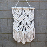 Woven wall hanging Macrame wall hanging Macrame wall art Weaving wall hanging Bohemian wall decor Boho wall tapestry Retro wall hanging