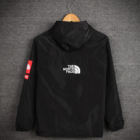 The North Face Printed Unisex Lovers' Windbreaker Coat