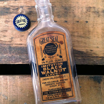 Antique Great Seal Walnut Extract Bottle and Label with Cap circa 1900's
